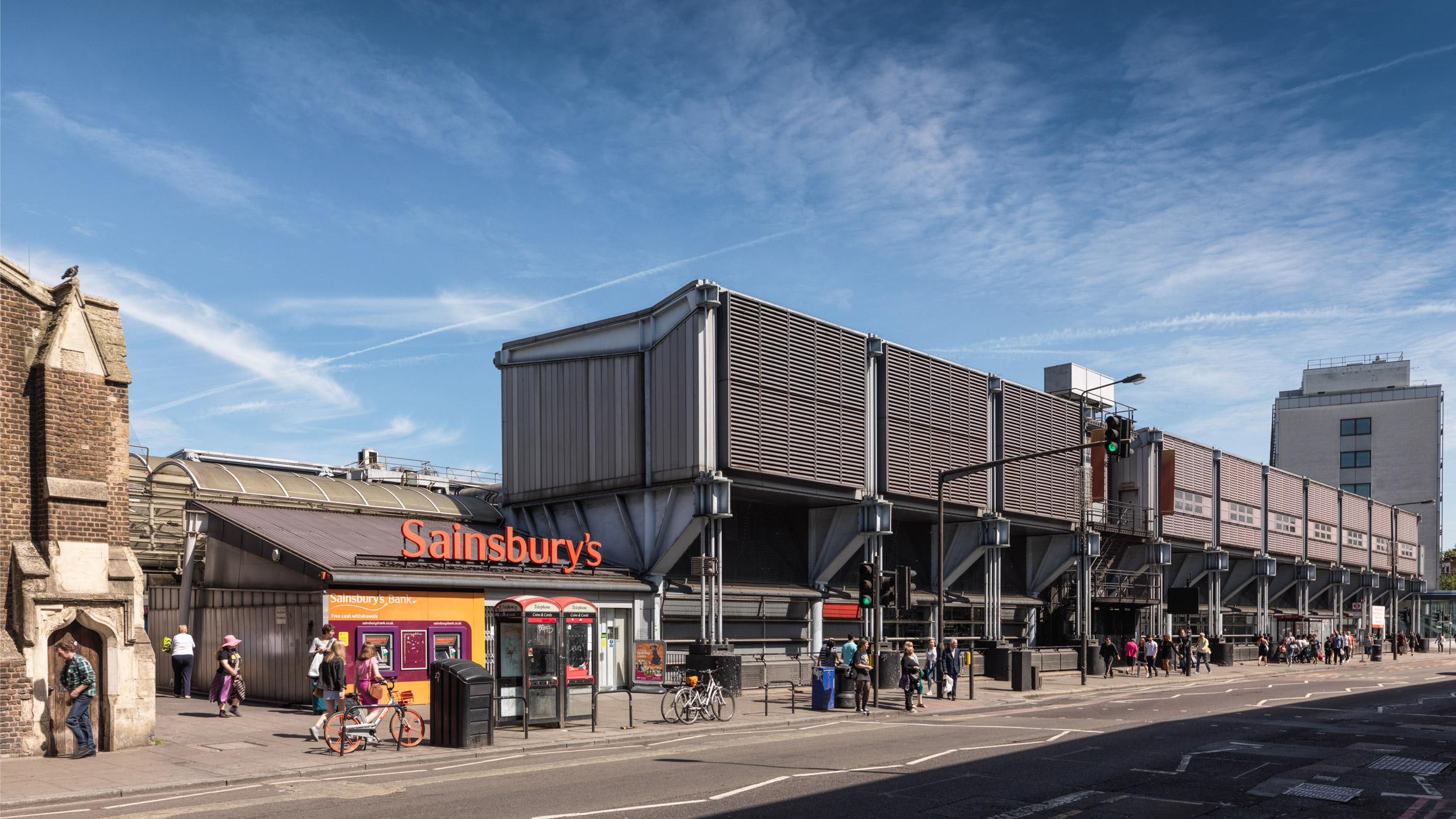 grimshaw-high-tech-listed-english-heritage-camden-road-sainsburys-hero_b